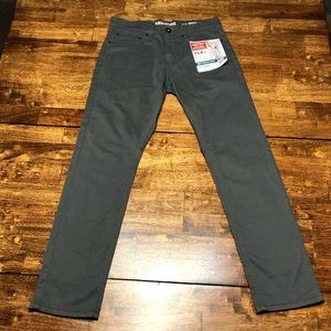 NWT!! Levi Strauss Men's Grey Pants sz 28x30